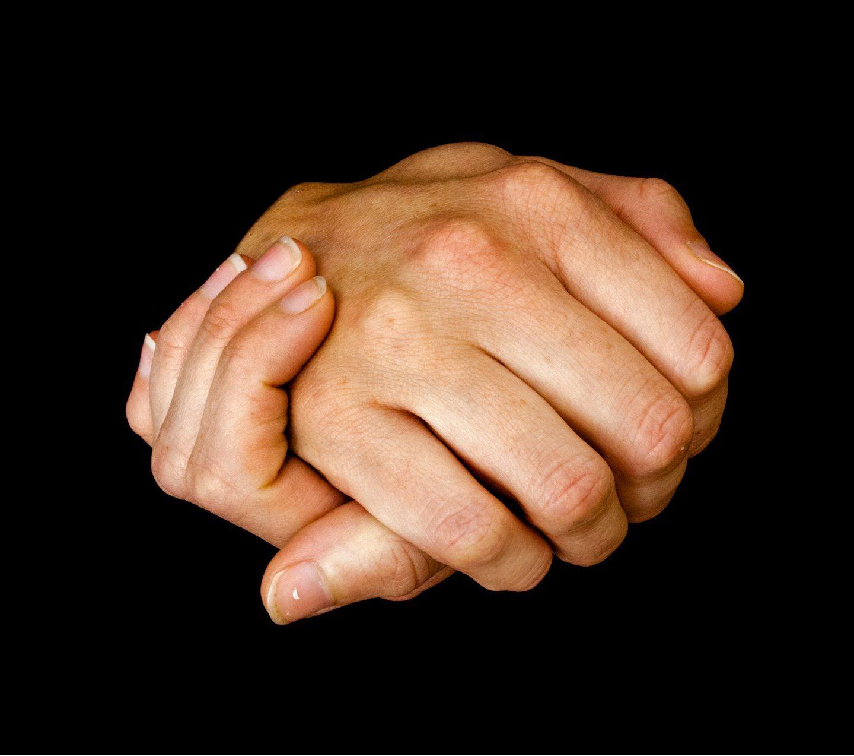 Sucha i wysuszona skóra dłoni – jak ją pielęgnować?