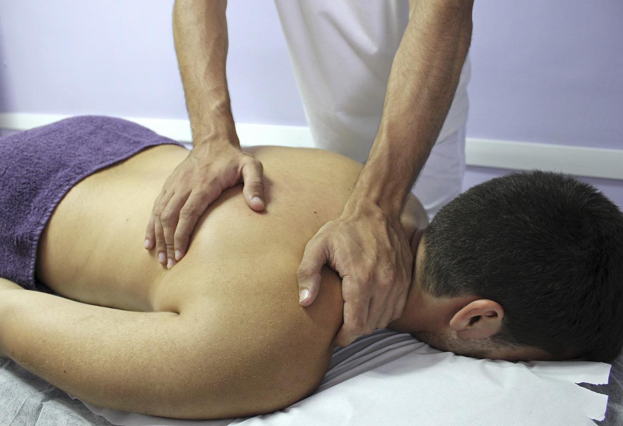 Jak wygląda rehabilitacja za pomocą terapii manualnej